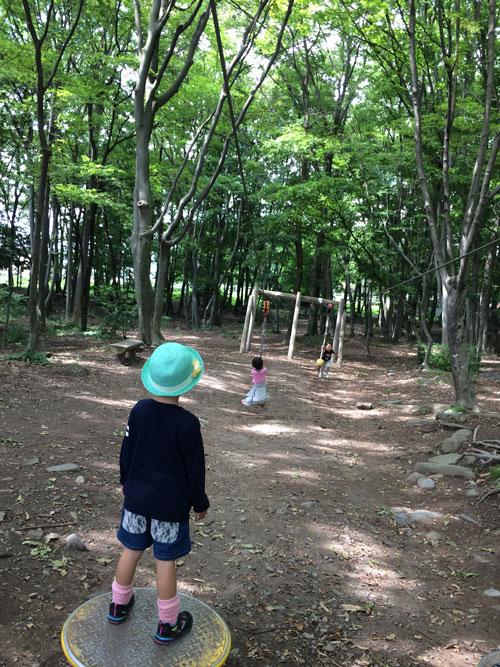 休みの日は、子ども達と近所の公園で遊んでいます!